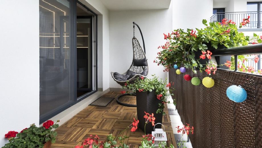 kak-stilno-obustroit-balkon-v-mnogokvartirnom-dome